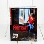 La photo de portrait en lumière naturelle. Scott Kelby du meilleur tonneau.